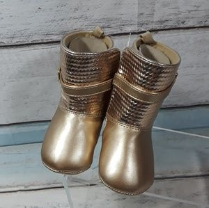 Wee Waddle Kids baby Gold Boots 6-9 Mos